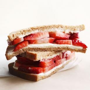 strawberry and cream cheese sandwich